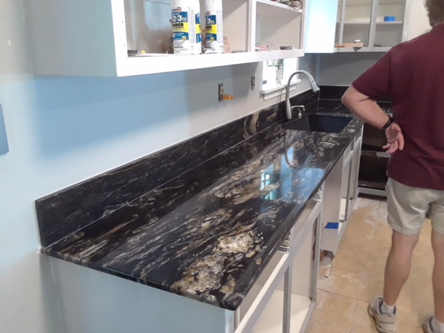 2cm Titanium Exotic Granite_Seam-Match_DWells Kitchen