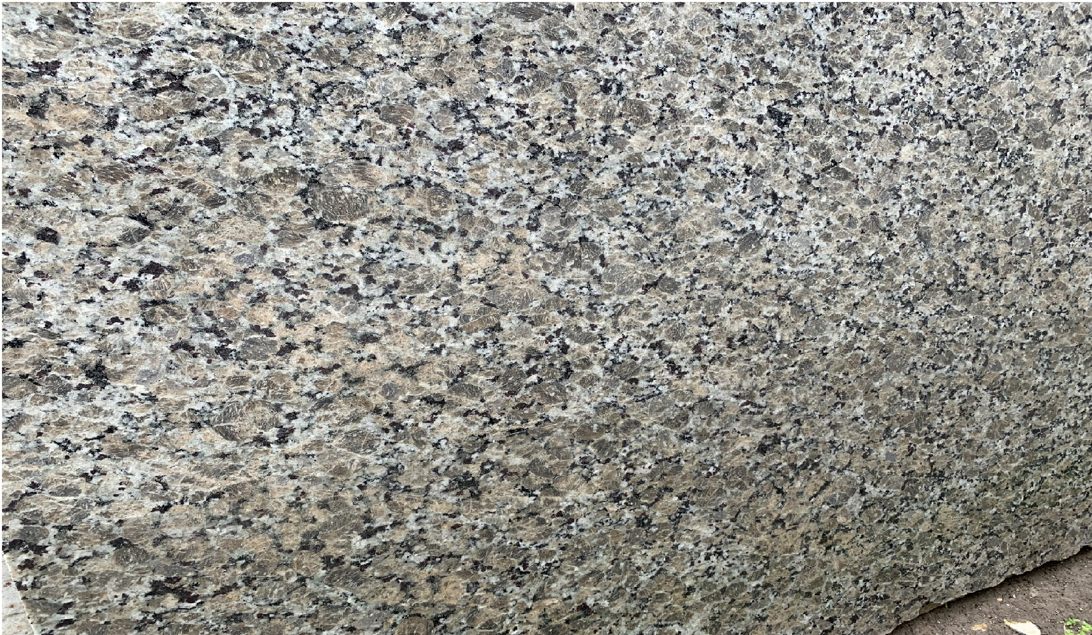 2CM-Butterfly-Beige_Basic-Granite_Polished