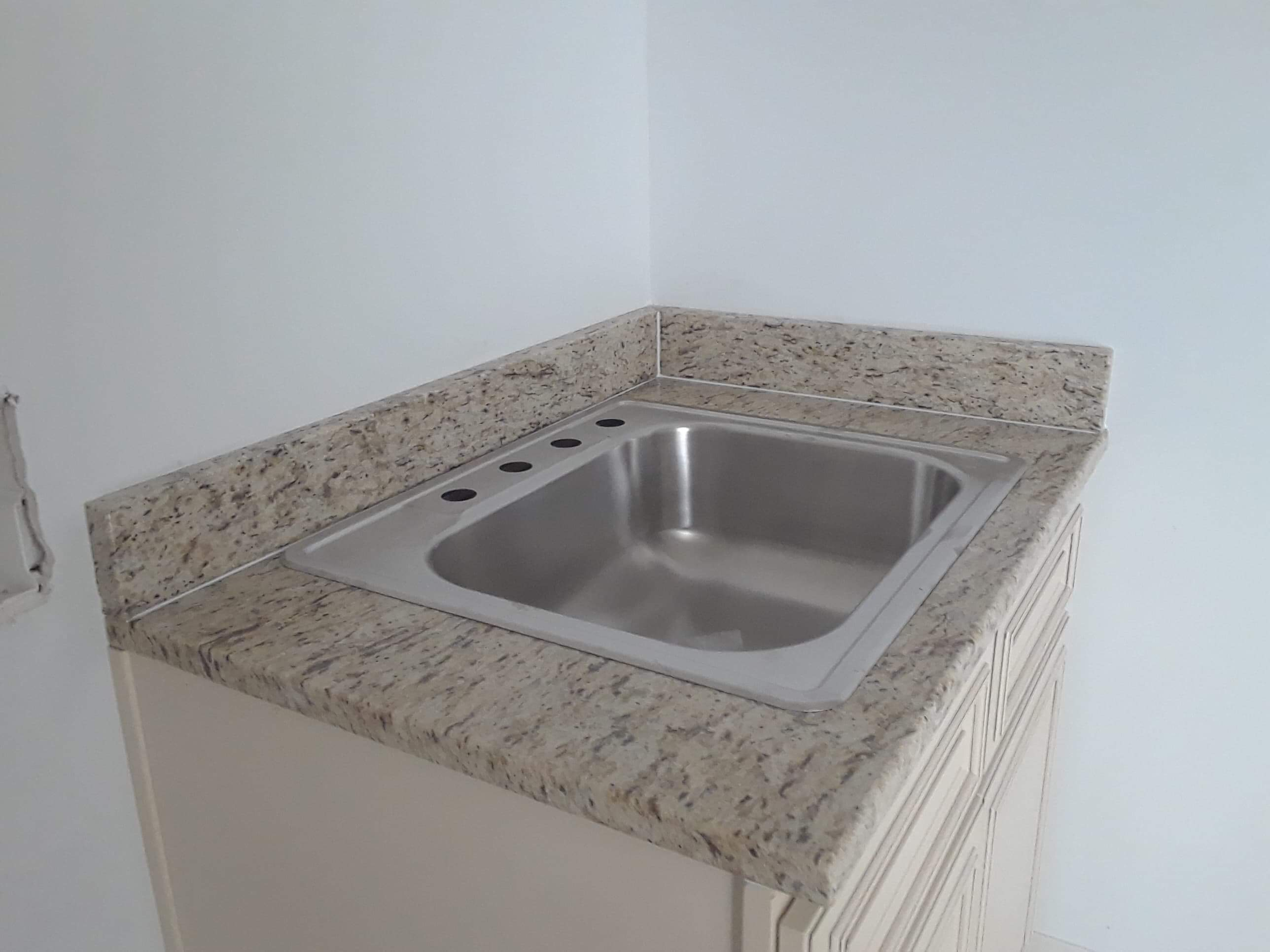 3cm Giallo Ornamental_Laundry with Undermount Single Bowl Sink(2)_Liles