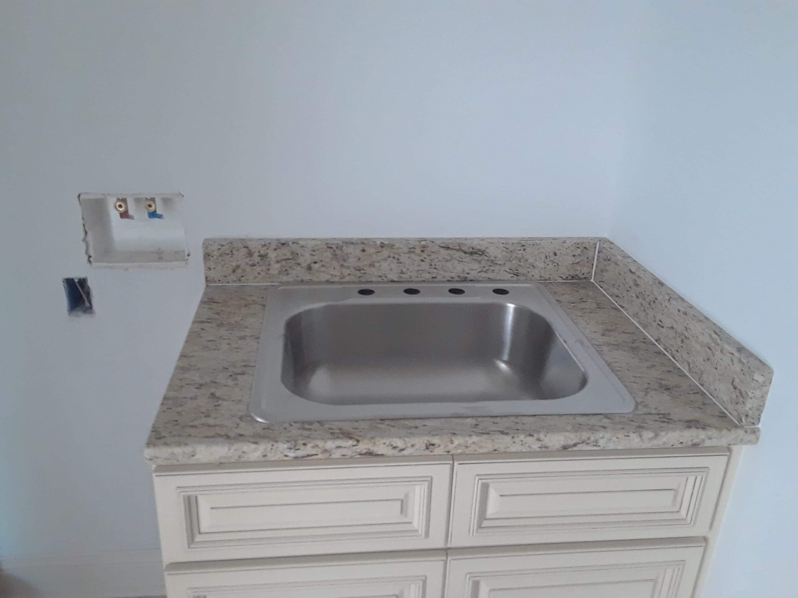 3cm Giallo Ornamental_Laundry with Undermount Single Bowl Sink_Liles